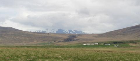Oköxlin séð frá Reykholtsdal 1. júní 2014. Rauðsgil er fyrir miðri mynd.